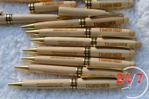 bút gỗ khắc chữ
