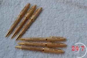 bút gỗ xoay cao cấp